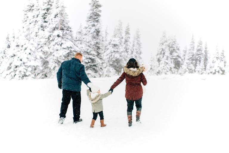 Family walking in the snow at Hurricane Ridge